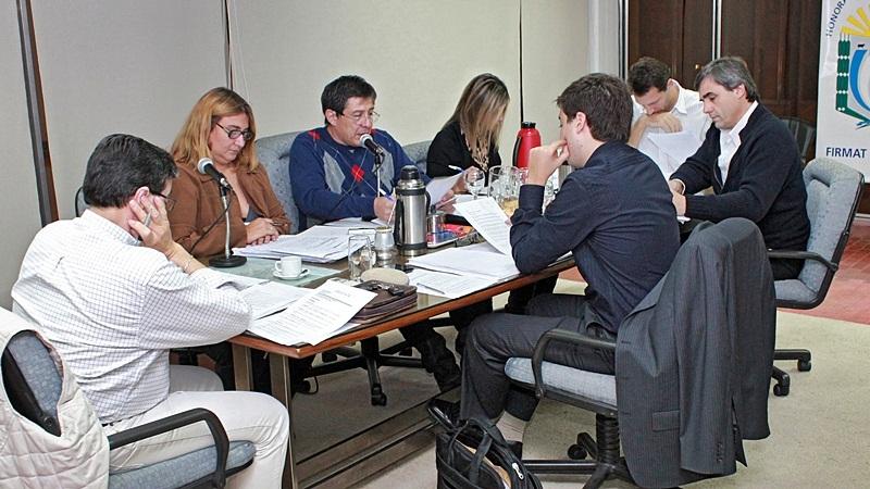 Los concejales durante un pasaje de la última sesión. FOTO Lisandro Carrobé