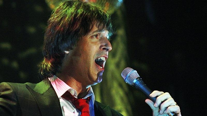 Sergio Valoppi cantó un tema de Frank Sinatra. FOTO Lisandro Carrobé.