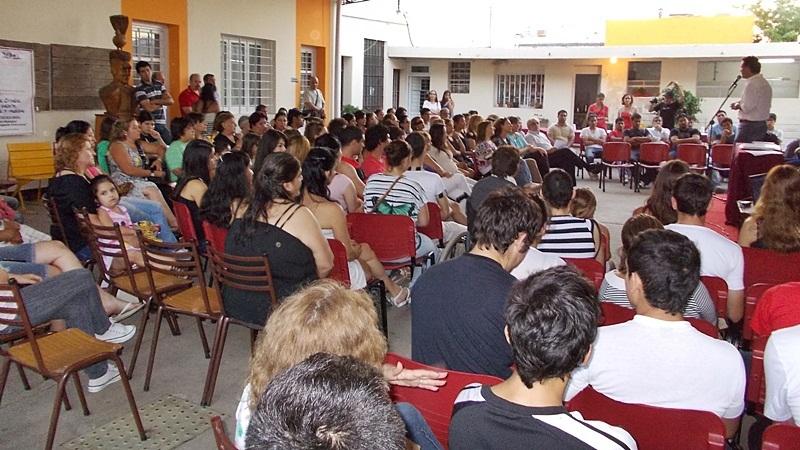 200 personas en 2012 firmat24 for Oficina de empleo cursos