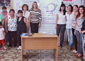 El equipo de trabajo del Observatorio de Género y Derechos Humanos. FOTO Lisandro Carrobé.