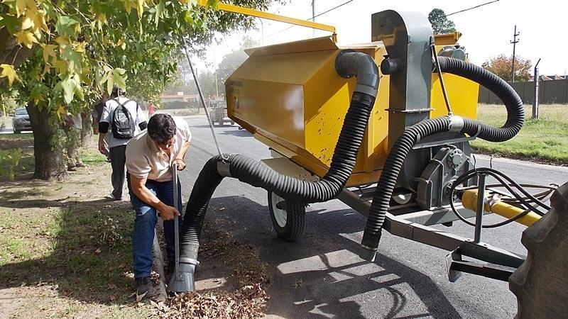 El gobierno municipal incorporar una motoniveladora - Aspiradora de hojas ...