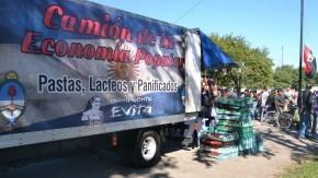 El camión de la economía popular en barrio La Patria