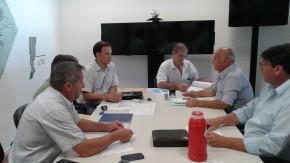 Firman convenios para el mejoramiento de caminos rurales del Dpto General López