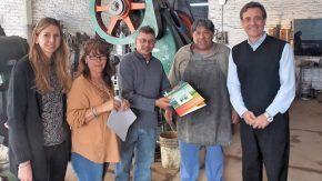 """La empresa """"El Gallego""""recibió el crédito N° 17"""