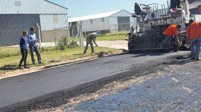 Comenzó la pavimentación de calles del Área Industrial