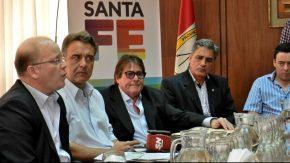 La provincia entregó fondos a la fábrica de cosechadoras Vassalli