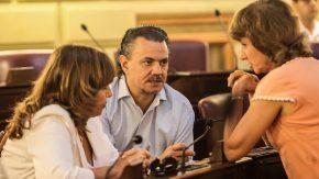 Galassi defendió la administración pública del Aeropuerto de Rosario