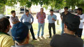 """Diputados provinciales se reunieron con trabajadores """"Chateaubriand"""" de Carmen"""
