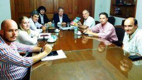 La Provincia entregó medio millón de pesos para cordón cuneta en Villa Cañás