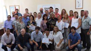 Pieroni participó de la entrega de fondos a escuelas de la región
