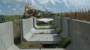 Avanzan las obras que vincularán las lagunas Agataura y El Hinojo con el canal San Urbano