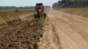 El senador Enrico propicia plan para el rediseño de todos los caminos rurales provinciales