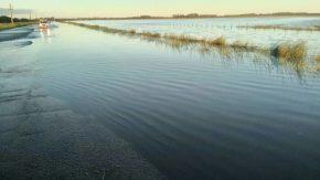 Tránsito asistido en RP 14 por el desborde de la laguna Runciman