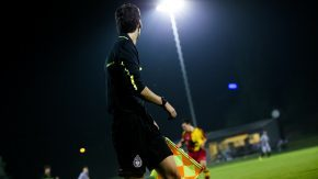 Por agredir a un árbitro, deberá donar dinero y no podrá concurrir a los partidos de la Liga Rafaelina de Fútbol