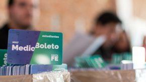 La provincia continúa con la entrega de las credenciales de Medio Boleto Interurbano Universitario