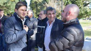Pieroni entregó camionetas policiales a localidades de la región