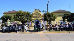 Pieroni en la reapertura de la escuela primaria de Chovet