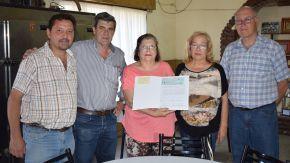 Pieroni entregó subsidio al club Vélez Sarsfield para reparación de techos