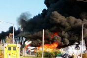 Un incendio de grandes proporciones se registra en el Parque Industrial de Venado Tuerto