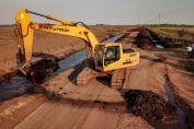 Trabajan en la recuperación de las rutas provinciales de tierra en la región