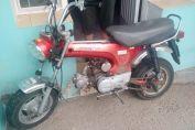 Encontraron una moto que habría sido abandonada en la puerta de una casa