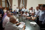 Municipales: acordaron aumento del 15% en dos tramos con claúsula gatillo