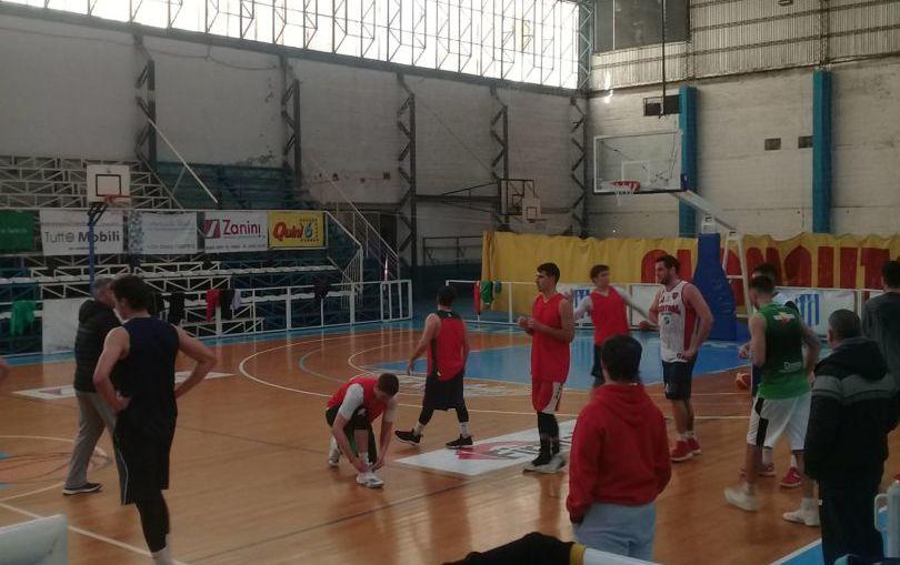 La selección entrena esta semana en el Club Argentino.