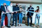Perotti encabezó la entrega de 24 viviendas en Firmat y aportes económicos a 12 localidades de la región