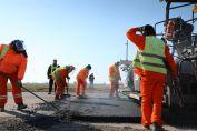 Se ejecutan inversiones por más de 2.400 millones de pesos para rutas en seis departamentos del sur provincial